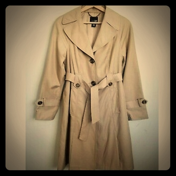 Trench Coat 🧥 New East 5th